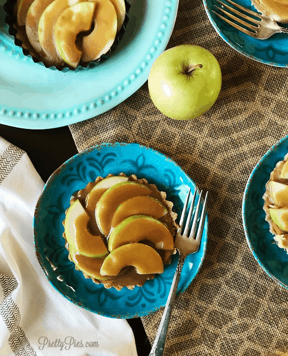 Caramel Apple Tart {Paleo & Vegan} - PrettyPIes.com