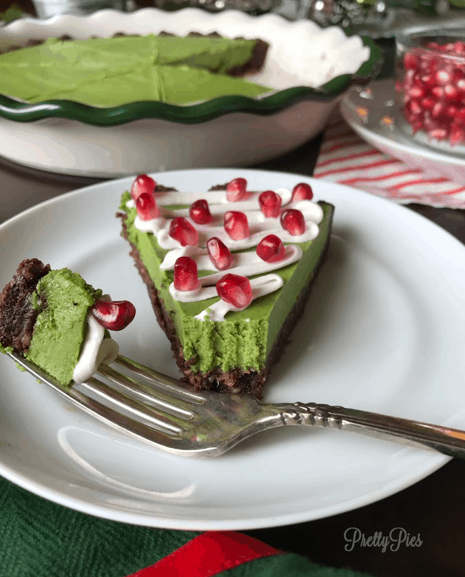 Christmas Tree Pie (Dye-Free-, Vegan, Paleo) - PrettyPies.com
