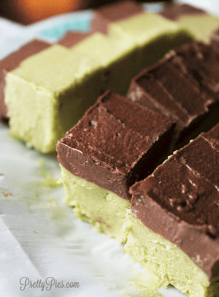 Healthy Mint Chocolate Fudge (Keto, Vegan, Paleo) - PrettyPies.com