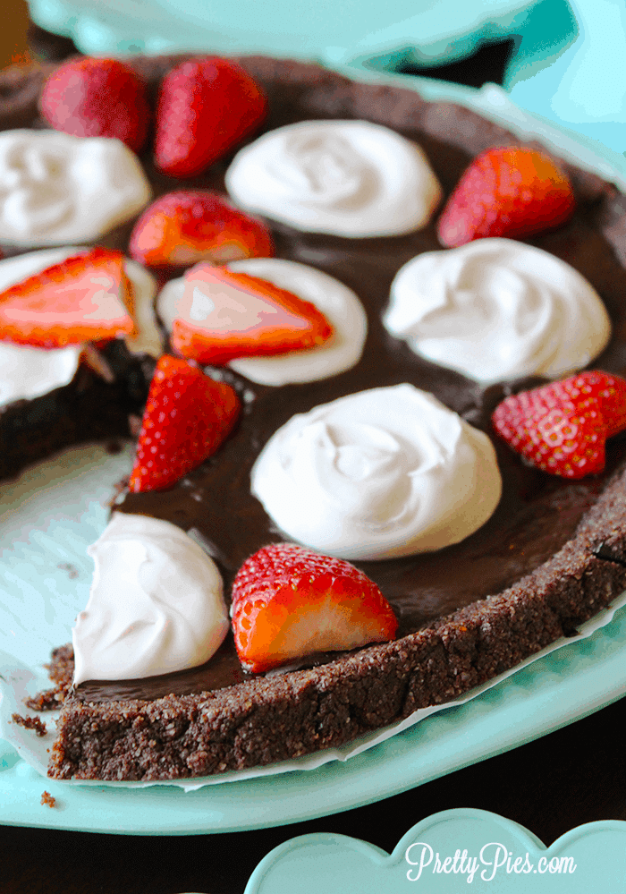 Low-Carb Chocolate Pizza (Vegan, Paleo, Keto) PrettyPies.com